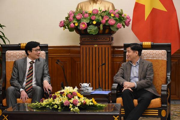 Thứ trưởng Nguyễn Quốc Cường tiếp Chủ tịch Hội Khoa học và Chuyên gia Việt Nam Toàn cầu