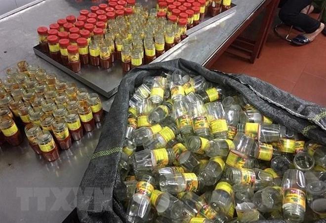 Hà Nội: Phát hiện cơ sở sản xuất hàng nghìn lọ sa tế giả mỗi ngày