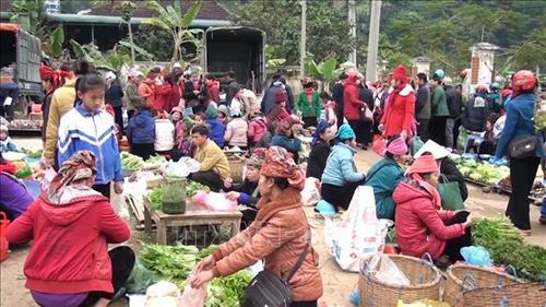 Độc đáo chợ phiên ngày Tết vùng cao Quỳnh Nhai