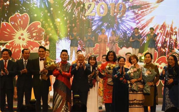 Xuân Quê hương 2019: Ấm áp, tự hào về thành tựu đất nước