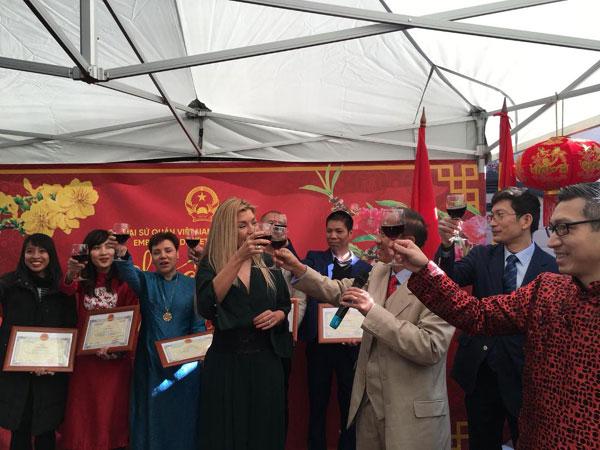 Cộng đồng người Việt tại Tây Ban Nha tưng bừng đón Tết Kỷ Hợi 2019