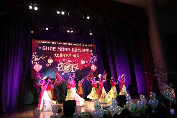 Người Việt tại Kiev – Ucraina mừng Xuân Kỷ Hợi 2019