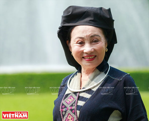 Cao Minh Hiền - nữ nghệ sĩ gìn giữ tiếng hát ru bằng 5 ngôn ngữ