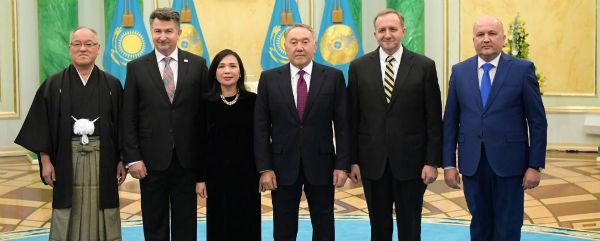 Đại sứ Nguyễn Thị Hồng Oanh trình Quốc thư tại lên Tổng thống Cộng hòa Kazakhstan.