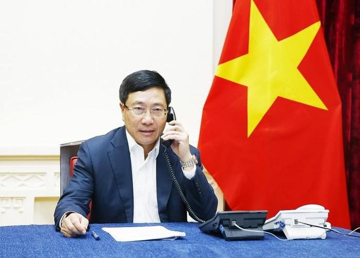 Phó Thủ tướng Phạm Bình Minh điện đàm với Bộ trưởng Ngoại giao Malaysia: Đề nghị trả tự do cho công dân Đoàn Thị Hương