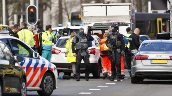 Hà Lan bắt giữ nghi can xả súng tại Utrecht