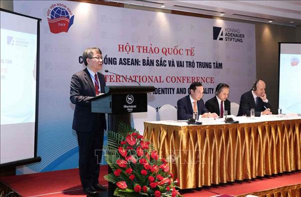 """Hội thảo Quốc tế """"Cộng đồng ASEAN: Bản sắc và vai trò trung tâm"""""""