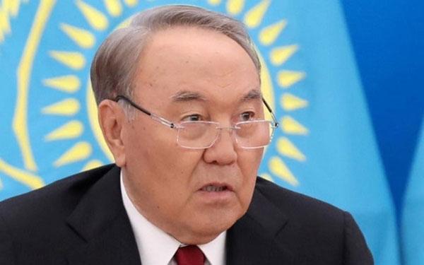 Tổng thống Kazakhstan tuyên bố từ chức sau 30 năm cầm quyền