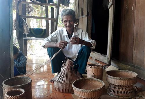 Nghề đan lát của người Vân Kiều ở Trường Sơn: Khắc khoải chờ truyền nhân