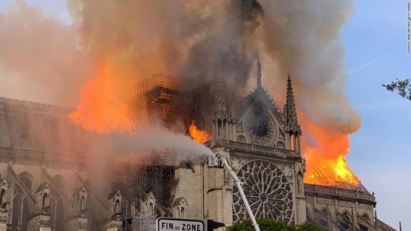 Cháy Nhà thờ Đức Bà Paris: Cấu trúc chính được bảo vệ an toàn