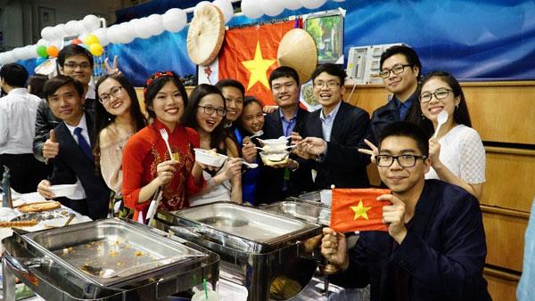 Sinh viênViệt ởHungaryquảng bá hình ảnh Việt Nam tại chương trình Văn hóa quốc tế