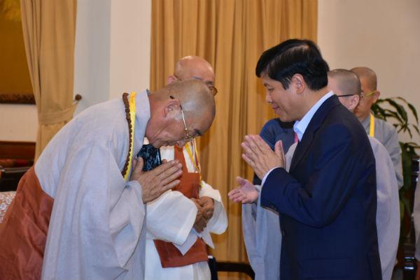 Thứ trưởng Nguyễn Quốc Cường tiếpĐoàn Phật giáo Hàn Quốc và Hội Phật tử Việt Nam tại Hàn Quốc