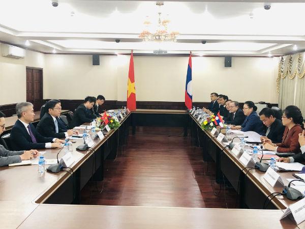 Thứ trưởng Ngoại giao Nguyễn Quốc Cường thăm làm việc tại Lào