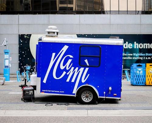 Chàng trai 23 tuổi mở tiệm bánh mỳ Việt trên xe tải tại Canada