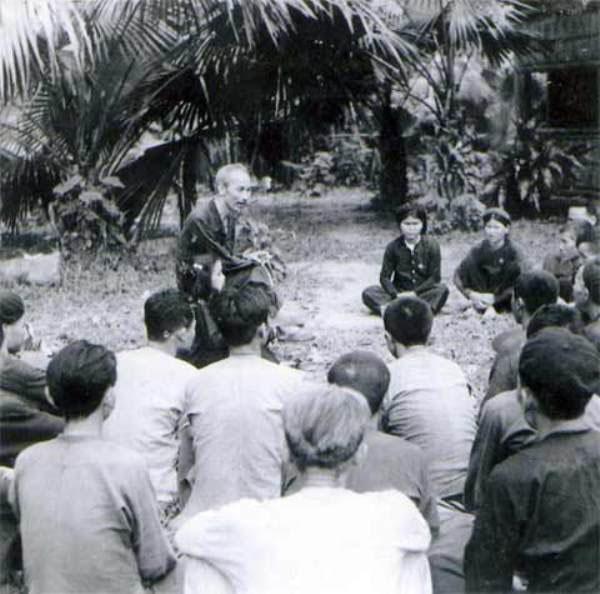 Tư tưởng Hồ Chí Minh về vai trò báo chí trong đấu tranh phòng, chống tham nhũng