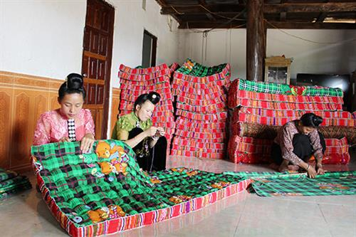 Nghề làm đệm truyền thống của người Thái ở Chiềng Khoang