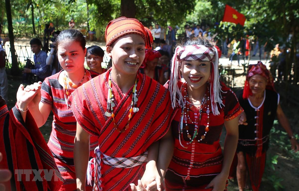 Tái hiện các nghi lễ cưới hỏi độc đáo trong Ngày hội Gia đình Việt Nam