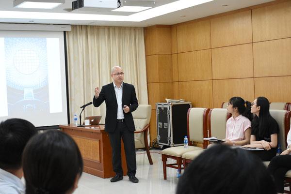 Huấn luyện kỹ năng mềm: Nghệ thuật thuyết trình truyền cảm hứng