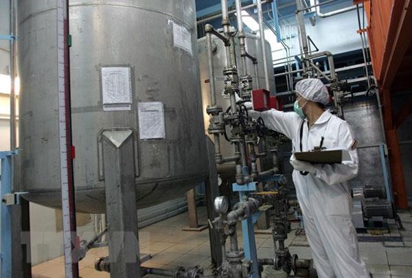 Mỹ cảnh báo Iran về việc vượt hạn mức dự trữ urani làm giàu