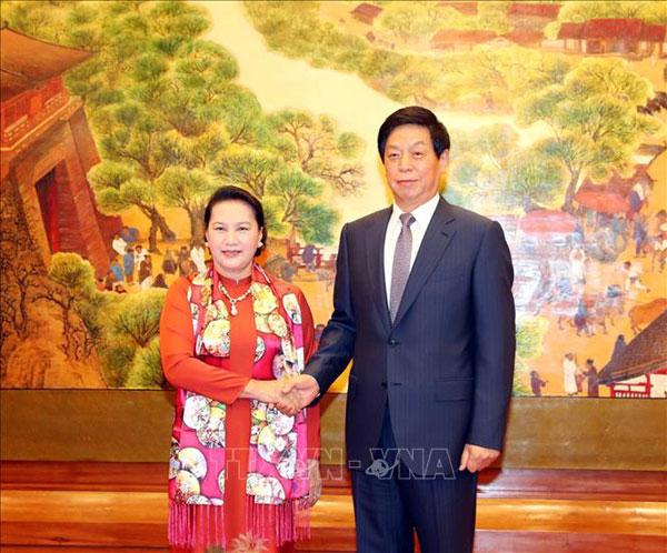 Chủ tịch Quốc hội hội đàm với Chủ tịch Nhân đại Trung Quốc