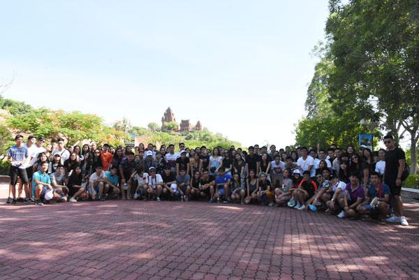 Đại biểu Trại hè Việt Nam về với Ninh Thuận