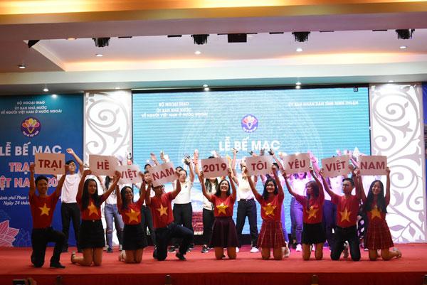 Trại hè Việt Nam 2019: Kết nối, trải nghiệm và lan tỏa tình yêu quê hương