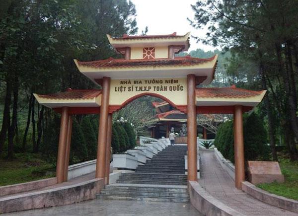 Viết ở Ngã Ba Đồng Lộc