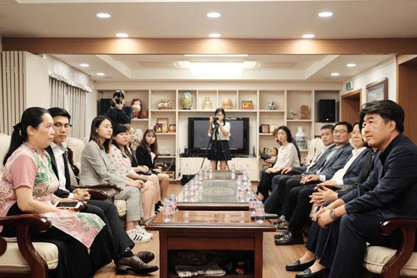 Hội sinh viên Việt Nam tại Hàn Quốc nhận nguồn tài trợ và học bổng từ doanh nghiệp Hàn Quốc