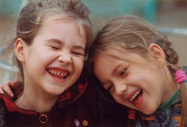 Mỉm cười – nghệ thuật sống hạnh phúc