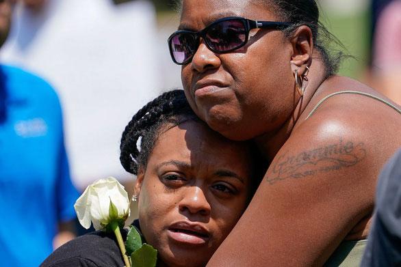 Mỹ vẫn phải đối mặt với cơn ác mộng bạo lực súng đạn