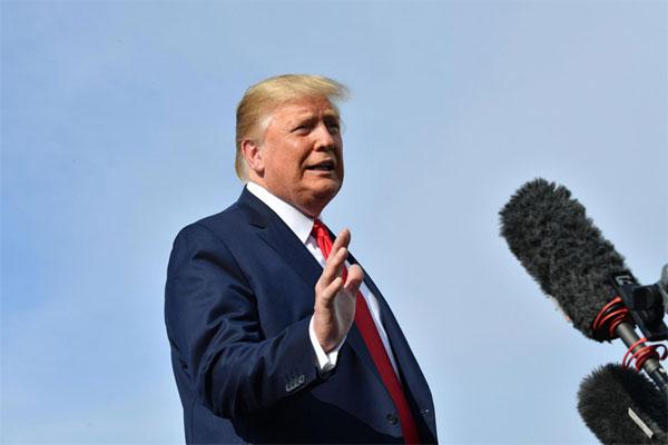 Tổng thống Trump ra sức trấn an dư luận trước mối lo suy thoái kinh tế