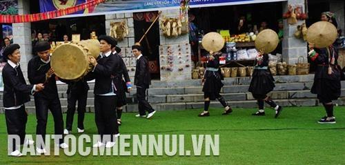 Độc đáo lễ hội múa trống của người Giáy