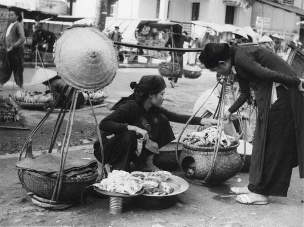 Ngắm lại Hà Nội xưa qua gánh hàng rong và tiếng rao đường phố