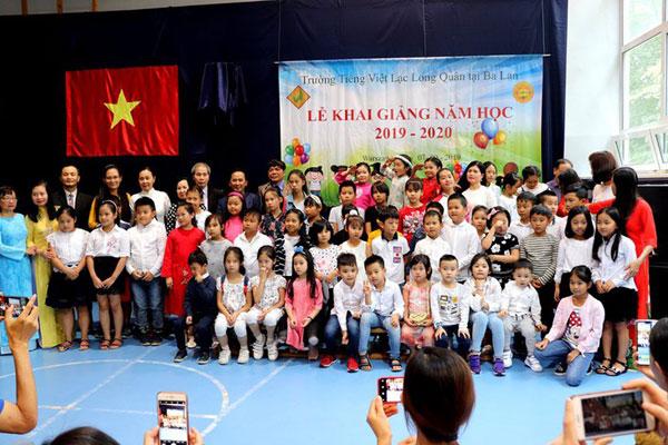 Trường tiếng Việt Lạc Long Quân tại Ba Lan khai giảng năm học mới 2019-2020
