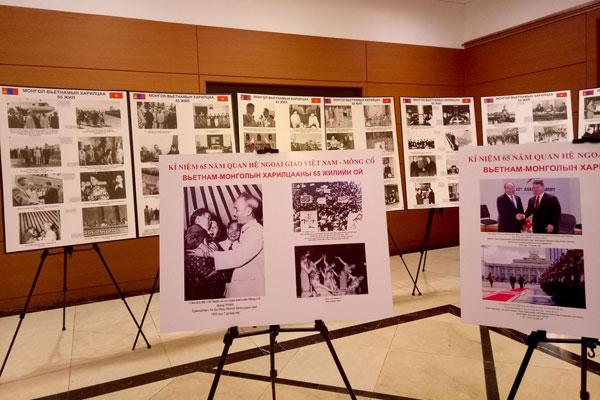 Triển lãm kỷ niệm 65 năm quan hệ Việt Nam-Mông Cổ