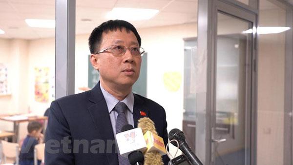 Dạy tiếng Việt cho người Việt ở Nga: Đã đến lúc phải hành động