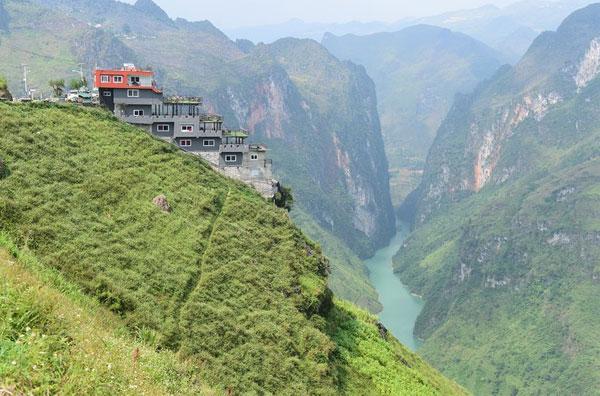 Bộ Văn hóa phản đối công trình Panorama sai phạm tại Mã Pì Lèng