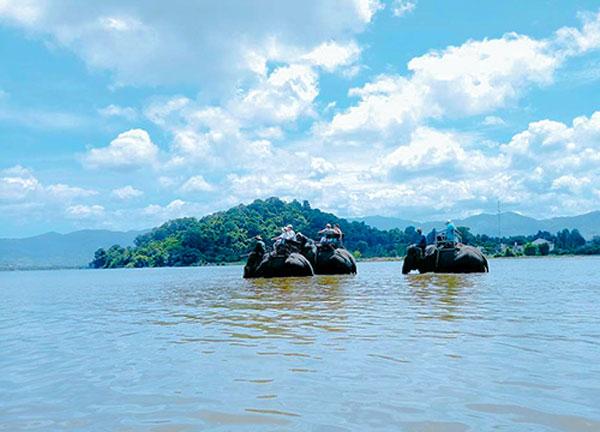 Ghé thăm hồ Lắk – viên ngọc giữa đại ngàn Tây Nguyên