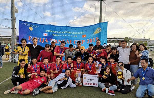 Giải đấu bóng đá thu hút gần 1.000 người Việt Nam tại Nhật Bản