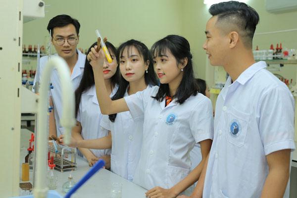 Đẩy mạnh nghiên cứu khoa học: Xu hướng tất yếu của các trường Đại học