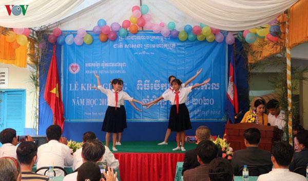 Khai giảng năm học mới cho con em kiều bào tại thủ đô Phnom Penh