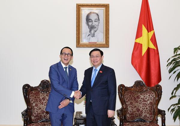 Chính phủ ủng hộ hợp tác giữa FWD và Vietcombank