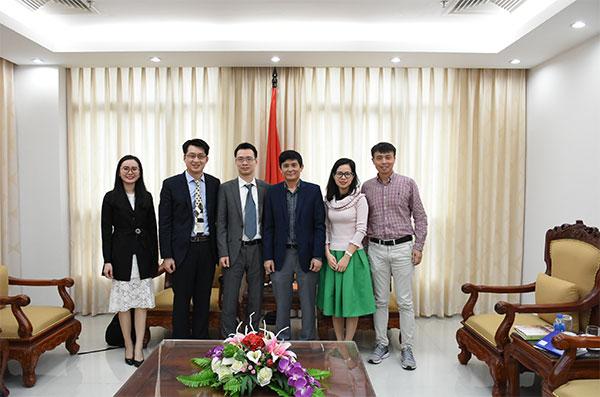 Lãnh đạo Ủy ban Nhà nước về NVNONN tiếp nhóm VietSerch