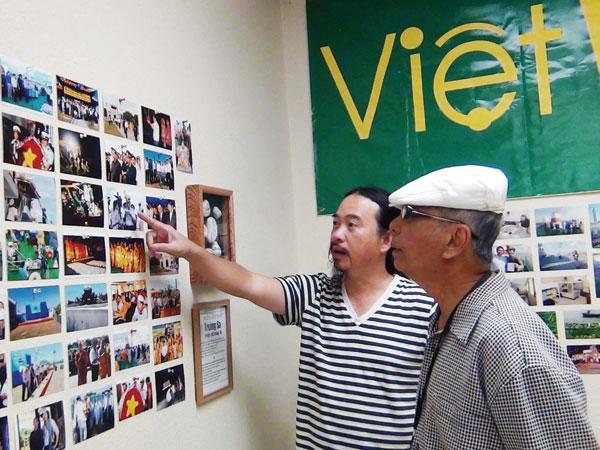 Những chuyến tác nghiệp báo chí từ hải ngoại về Việt Nam thông qua nghị quyết 36 của Bộ Chính trị