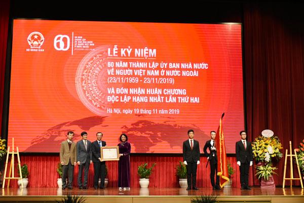 Ủy ban Nhà nước về NVNONN kỷ niệm 60 năm thành lập và đón nhận Huân chương Độc lập hạng Nhất