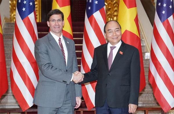 Thủ tướng Nguyễn Xuân Phúc tiếp Bộ trưởng Quốc phòng Hoa Kỳ