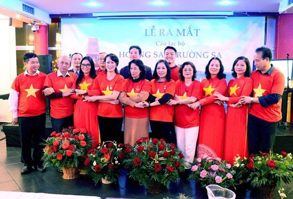 Ra mắt CLB Hoàng Sa, Trường Sa của cộng đồng người Việt tại Ba Lan