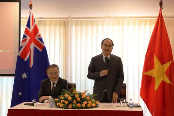 Bí thư Thành ủy Tp Hồ Chí Minh Nguyễn Thiện Nhân thăm Đại sứ quán Việt Nam tại Australia và gặp mặt kiều bào