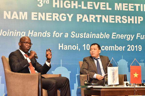 """Chiến lược chuyển đổi sang nền kinh tế """"năng lượng xanh"""""""