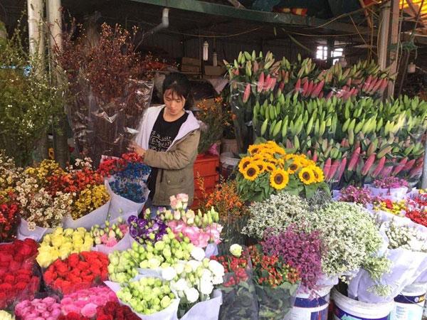 Chợ hoa và em